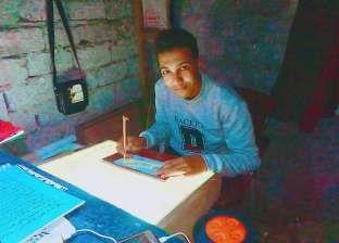 «مرجان».. طالب يحصل على الإجازة في كتابة القرآن كأصغر خطاط في مصر