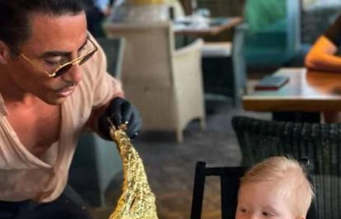 بالبلدي : من ابن عامل إلى مليونير.. جزار يقدم لحوما مطلية بالذهب